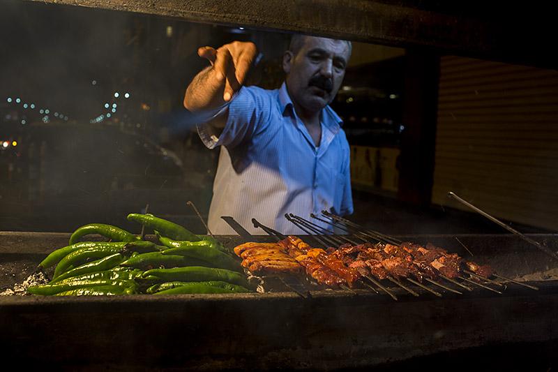David-hagerman-ciger-kebabi-usta-diyarbakir-turkey-2013