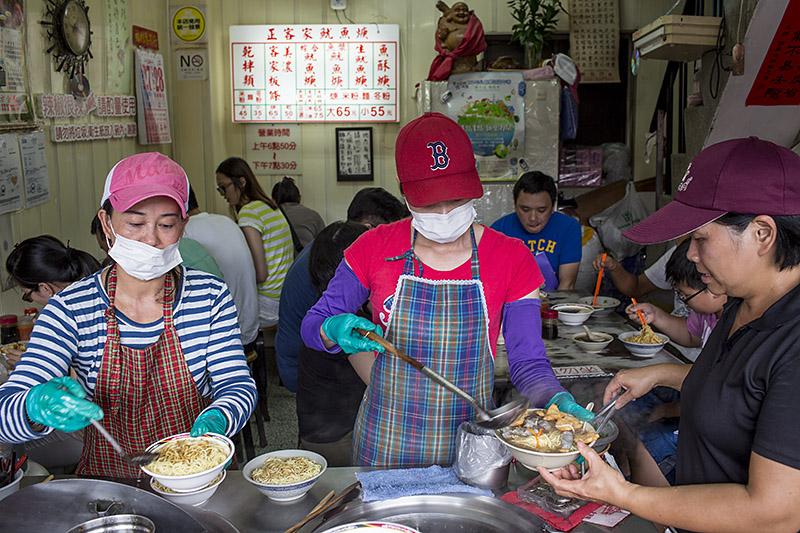 David-hagerman-squid-noodle-soup-vendors-gongguan-taipei-taiwan-july-27-2013