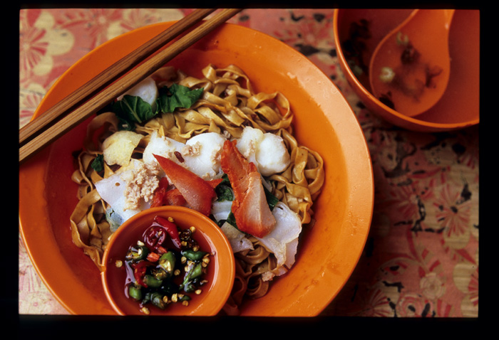 Muar_fish_ball_noodle_wide_view