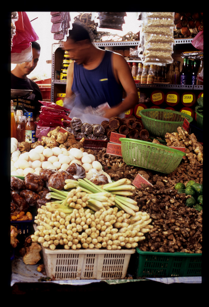 Chow_kit_vendor_in_motion