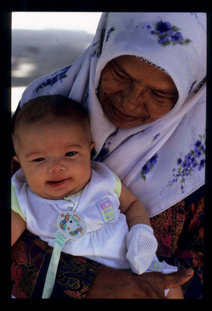 Kenduri_grandma_baby