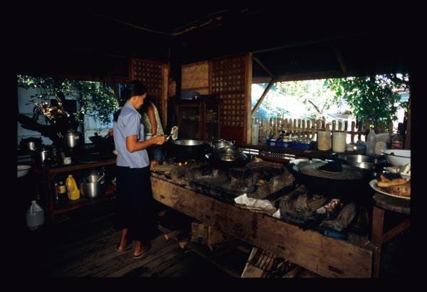 Medinas_kitchen_window_2