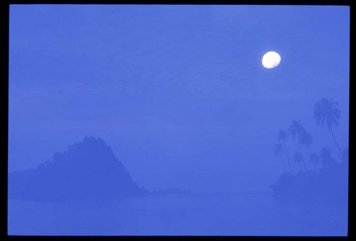 Cubaduk_moon