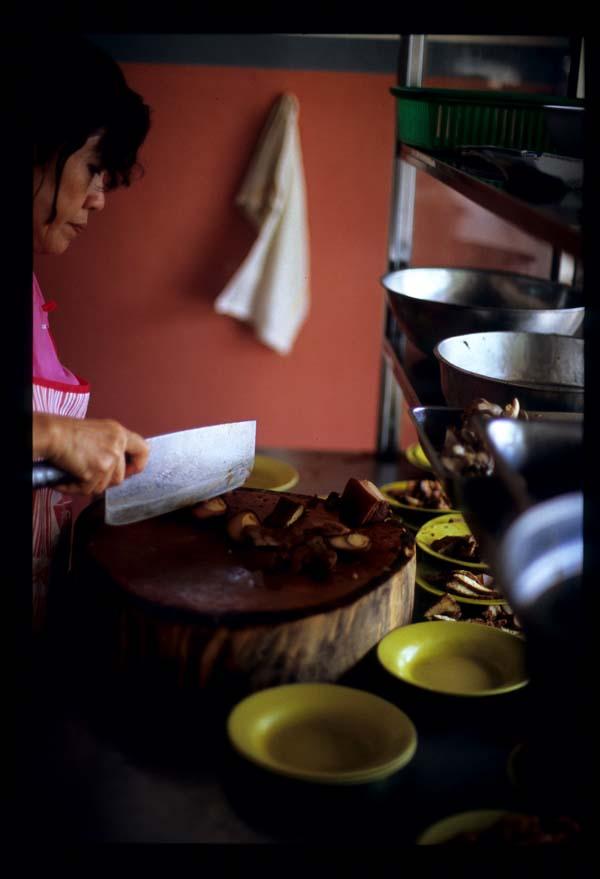 Mka_curry_rice_preparing_order