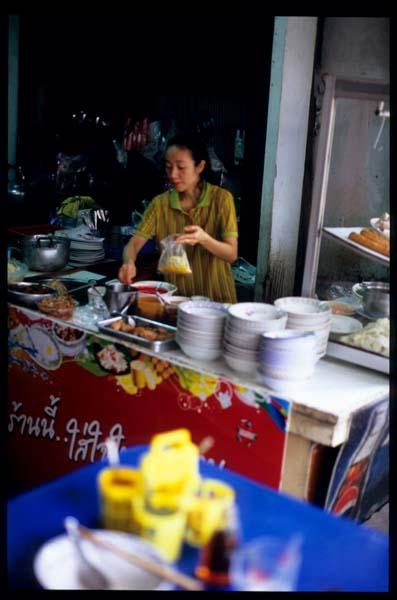 Bkk_am_kwayteow_stall