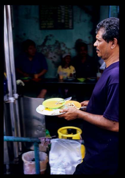Penang_j_transfer_roti_serving