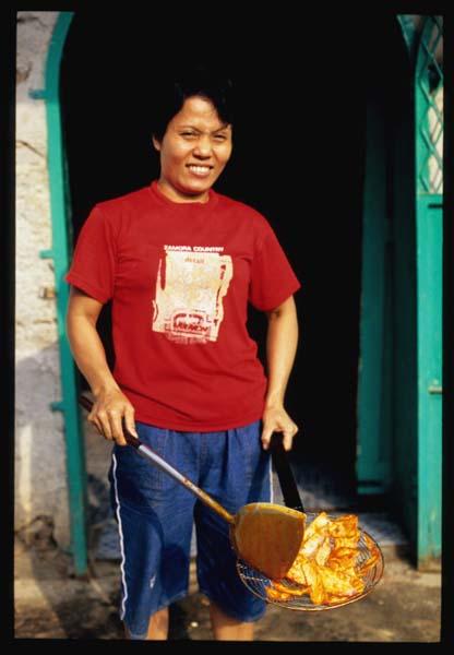 Padang_kripik_balado_out_of_fryer