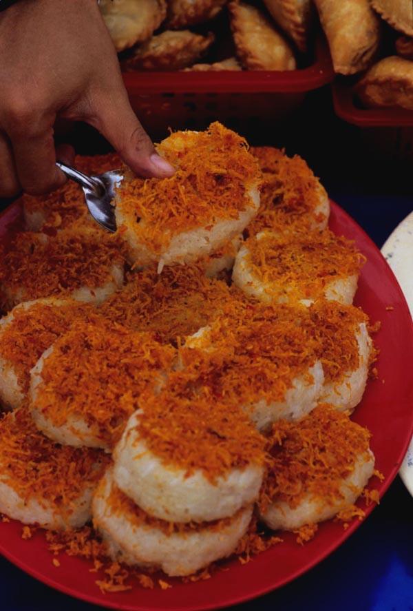 Termeloh_ramadan_rice_cakes