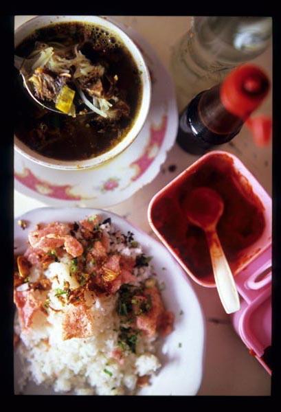 Padang_soto_served_2