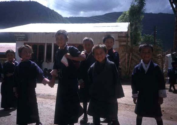 Bhutan_schoolkids