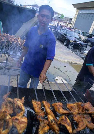 Bsar_ramadan_bbq_chick_guy