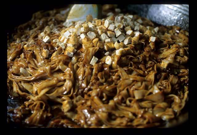 Bsar_ramadan_noodles_tofu