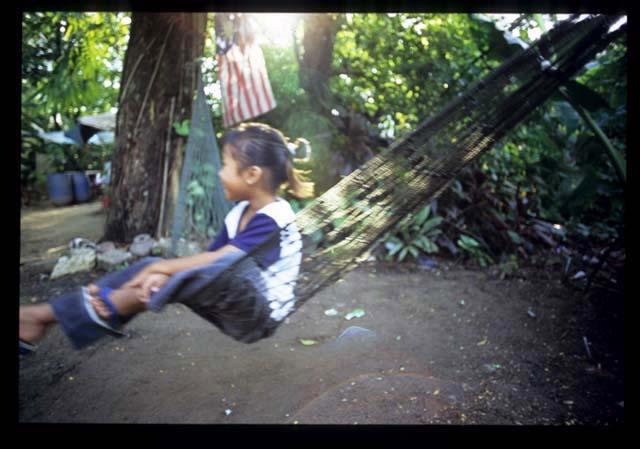 Bt_nasi_lemak_hammock_swing