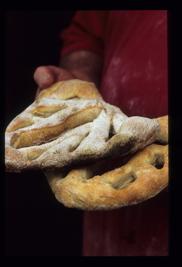 Fougasse_loaves_1