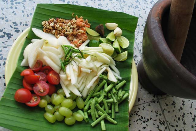 Fruit_somtam_ingredients1