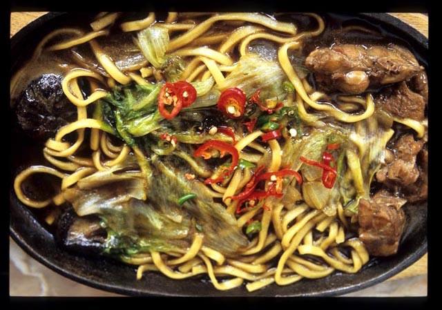 J_ipoh_griddle_noodle_served_1