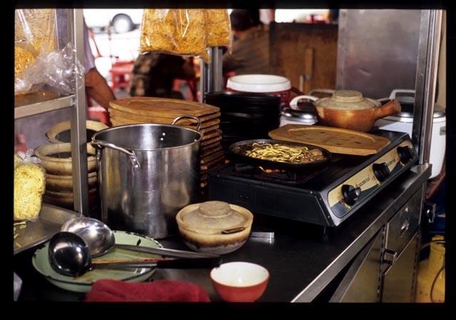 J_ipoh_griddle_noodle_stall