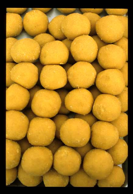 Jamil_sweets_yellow_balls