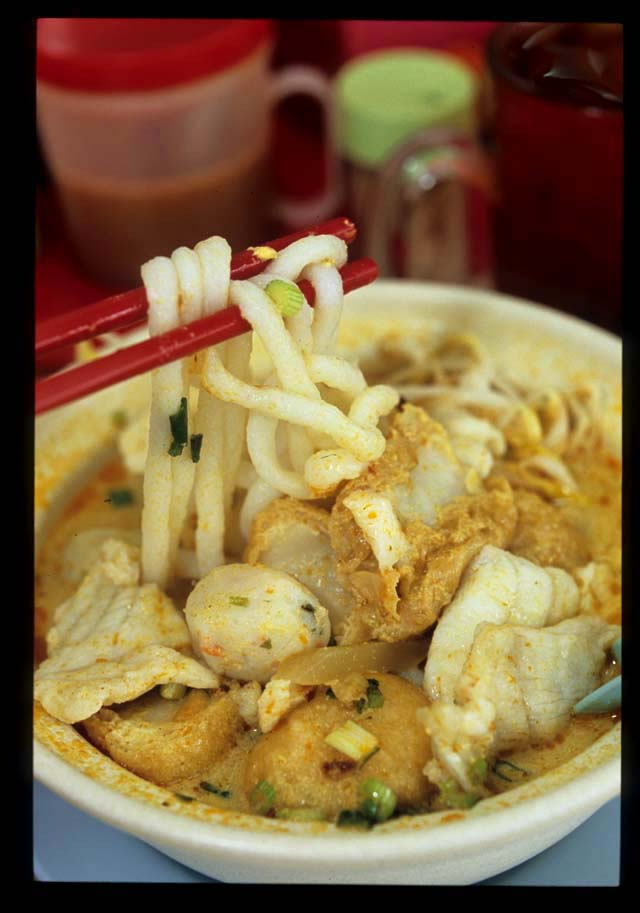 Kk_mee_ikan_curry_noodle_1
