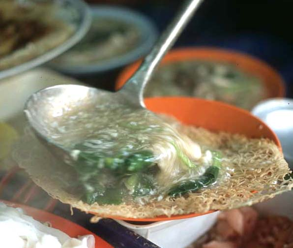Kt_chinatown_canto_noodle_dishup