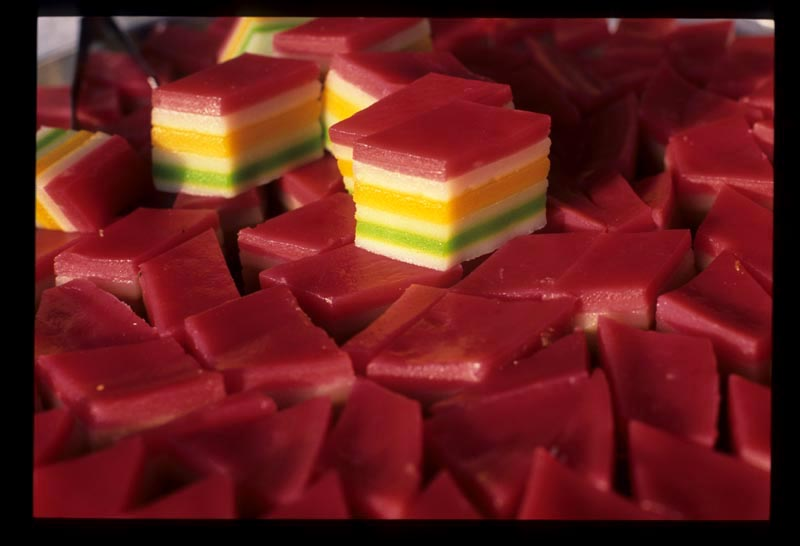 Kt_psar_malam_colorful_kuih