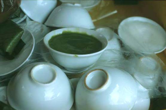 Kueh_pandan_cups_ea