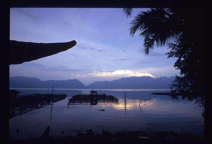 Maninjau_am_lake_view