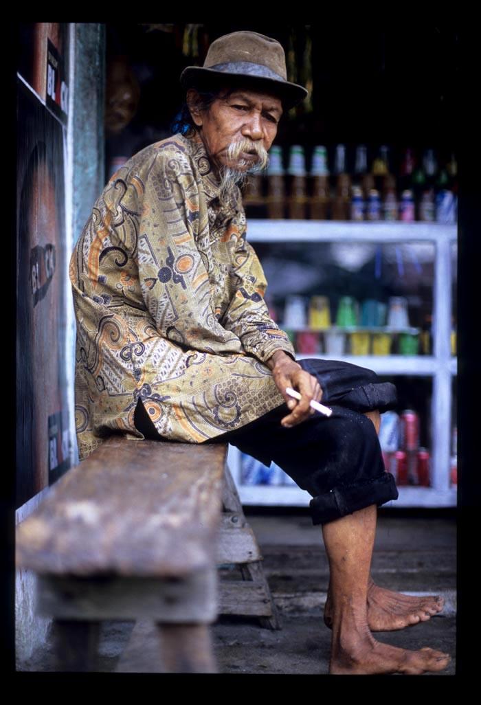 Maninjau_am_old_guy