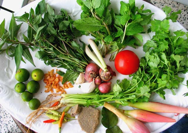 Nasi_ulam_ingredients