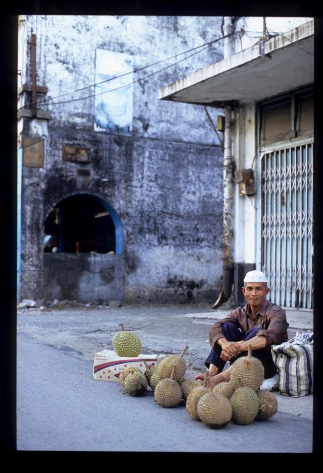 Padang2_durian_seller