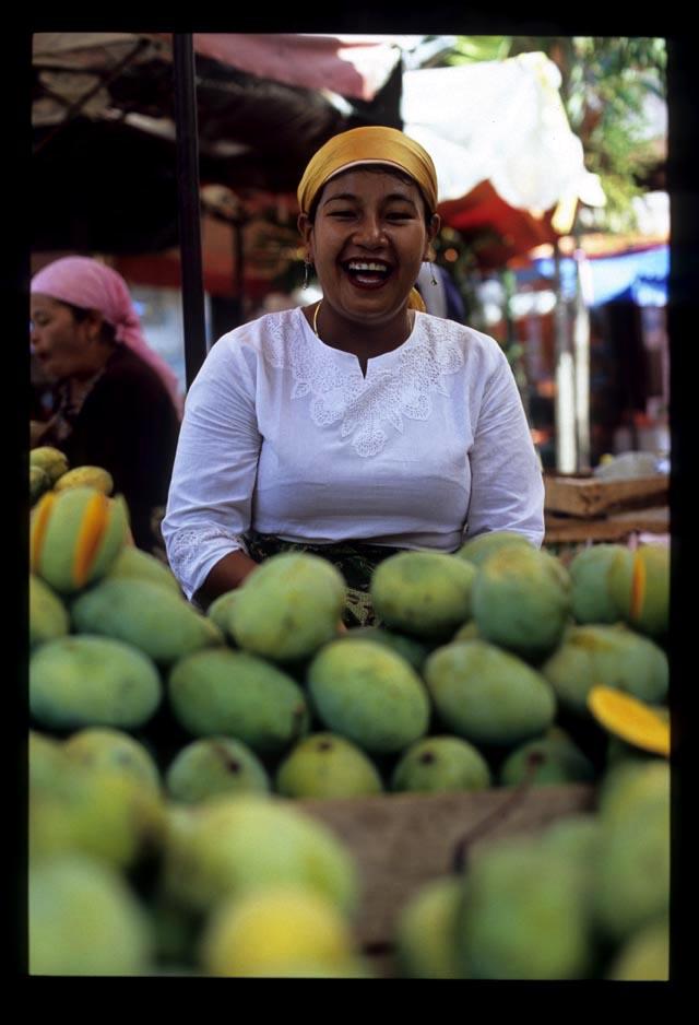 Padang2_mango_seller