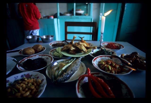 Pagi_sore_the_spread_on_table2_1