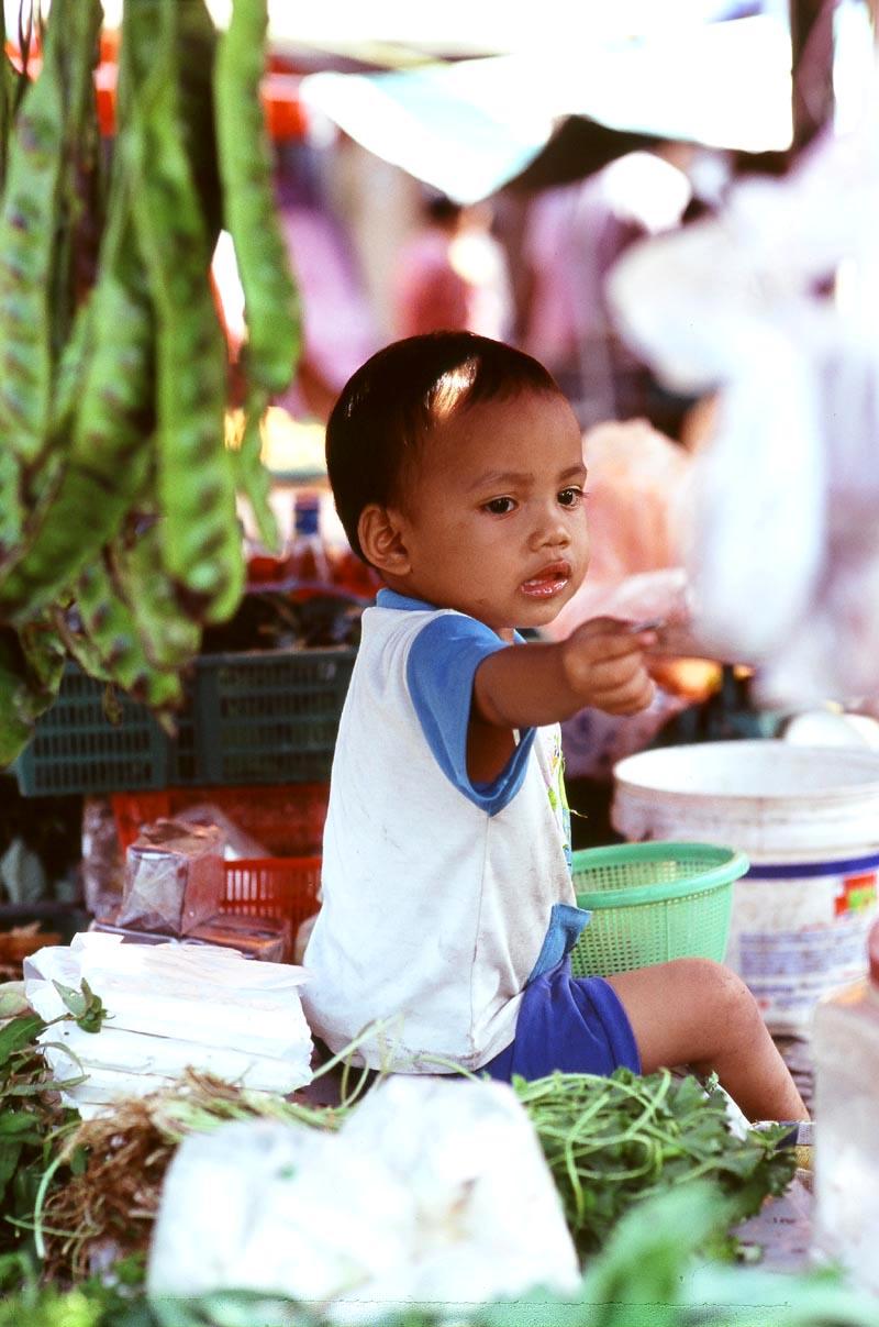 Pasar_sentul_child