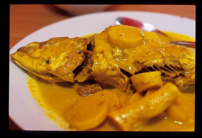 Pinang_masak_fish_close