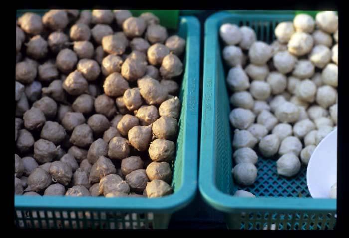 Pork_balls_in_baskets_1