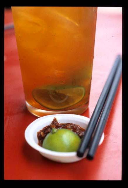 Sarawak_laksa_tea_n_sambal