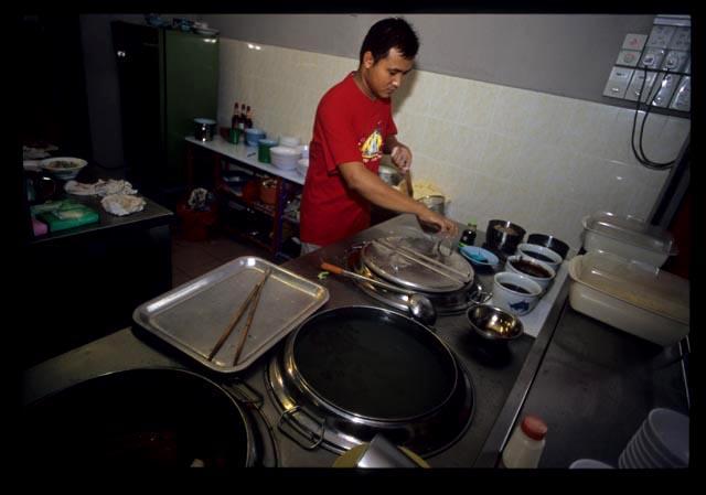 Seremban_noodle_chef