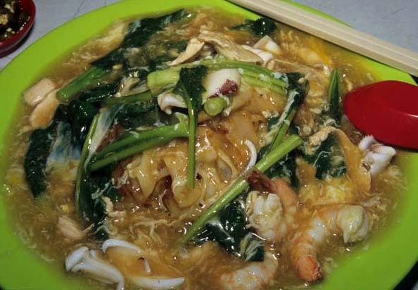 Subang_jaya_canton_noodles_served_ea
