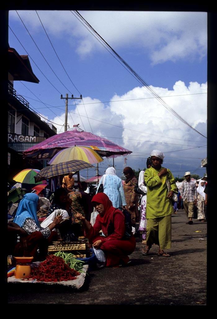 Sumsum_bt_market_scene