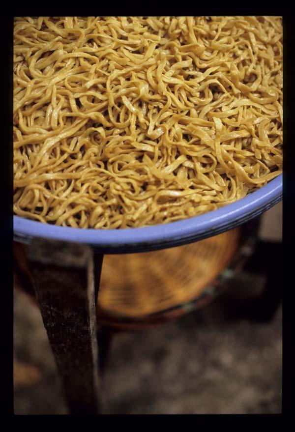 Ulu_yam_noodles_in_kitchen