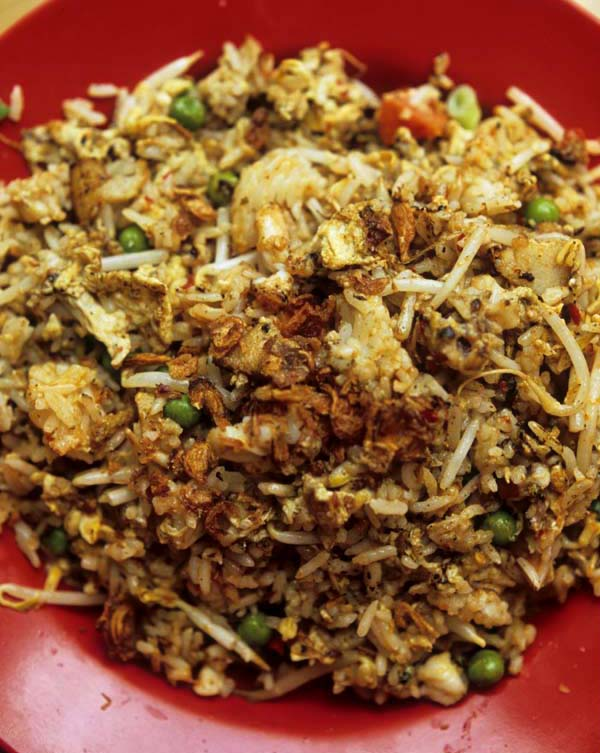 Yut_kee_belacan_fried_rice_served